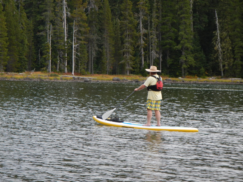 c4-waterman-itrekker-jeff-catlin-paddling-at-waldo-lake-2016-paddle-people-2