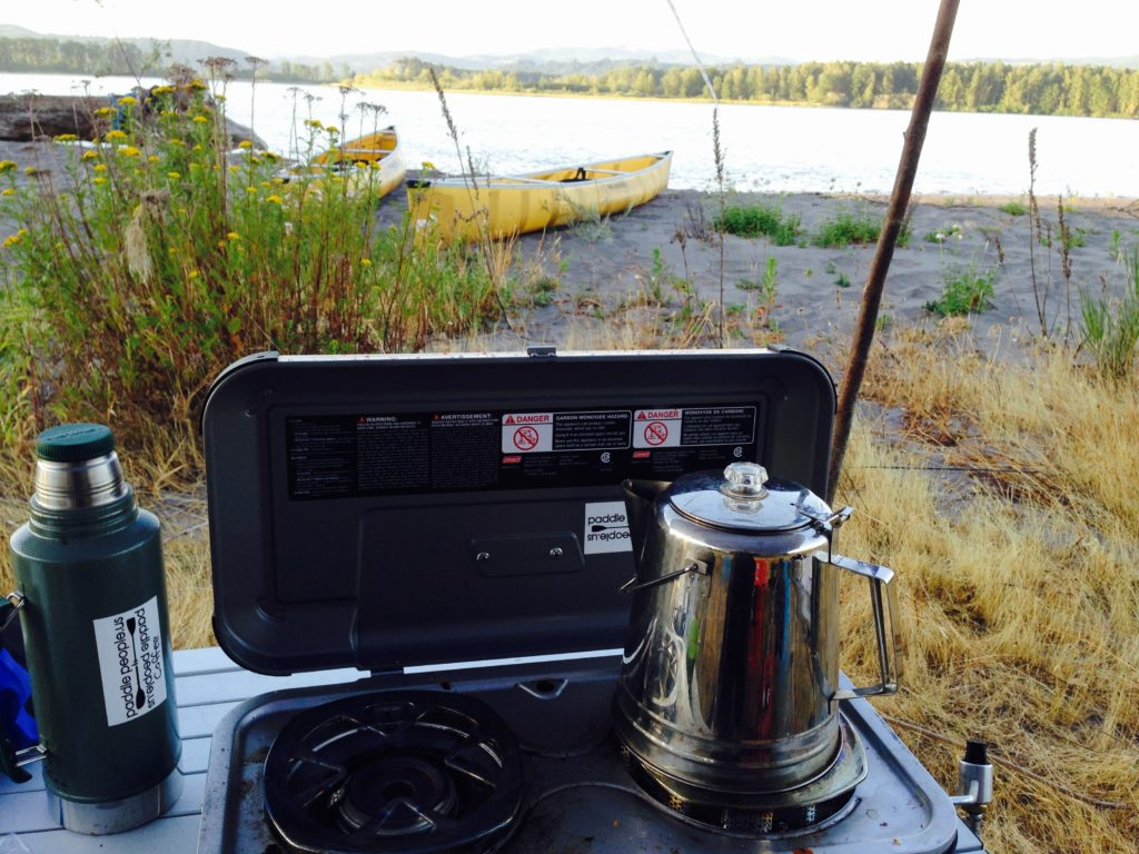 coffe-pot-and-wenonah-encounter-canoes-at-columbia-river-camp-2015