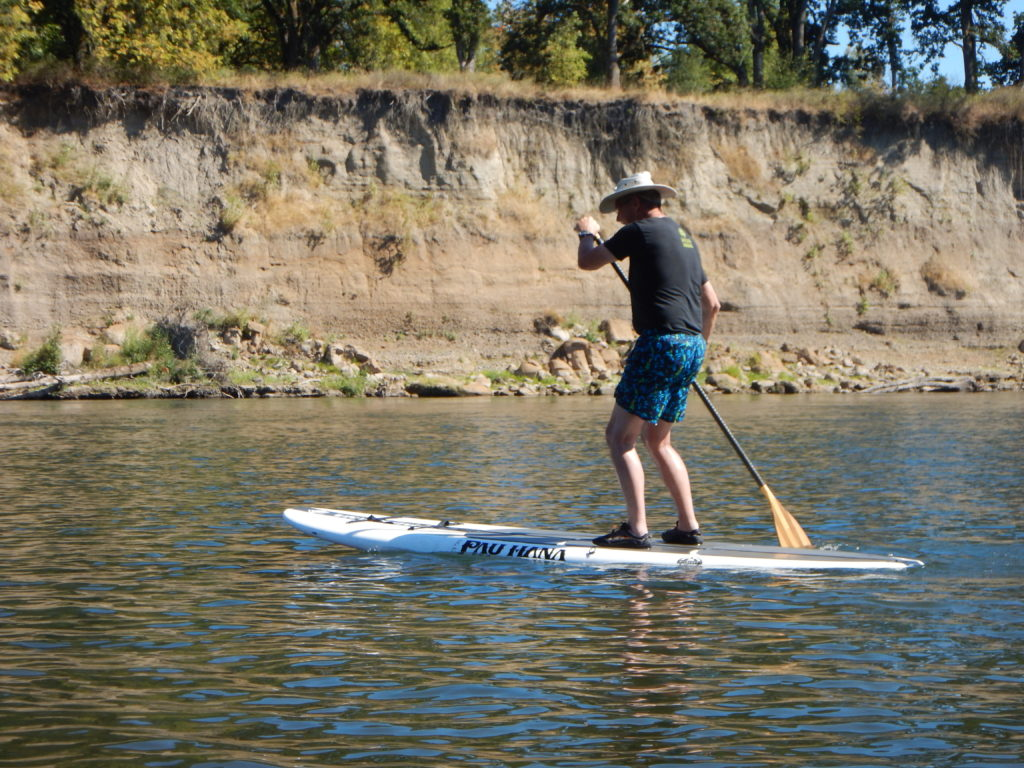 pau-hana-big-ez-ricochet-on-willamette-river-2016-paddle-people-oregon