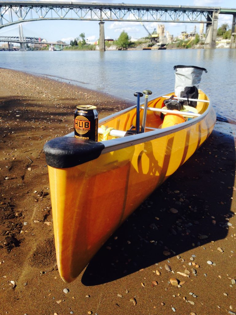 wenonah-encounter-canoe-on-willamette-river-with-can-of-hub-beer