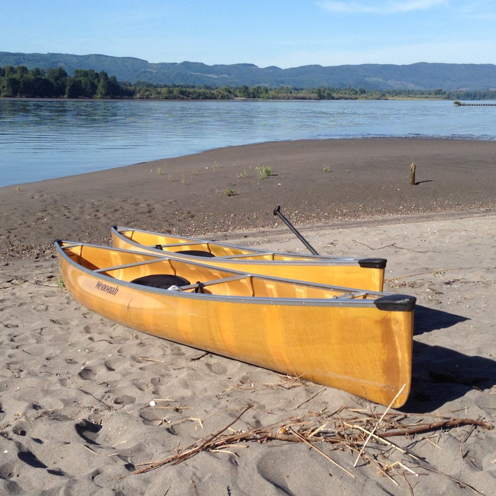 Wenonah Encounter Kevlar Canoe Columbia River Shore - www.PaddlePeople.us