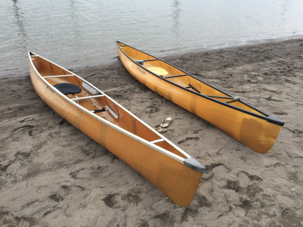 wenonah-voyager-canoes-on-beach-at-vancouver-lake-april-2016-paddle-people-3