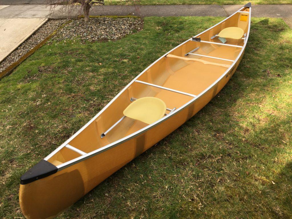 17 Wenonah Kevlar Canoe - www.PaddlePeople.us
