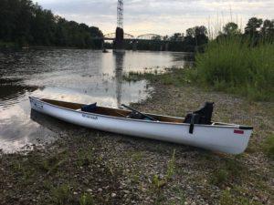 Wenonah Voyager Canoe on Willamette River Oregon - www.PaddlePeople.us